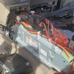 トヨタエスティマを解体作業。